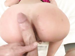 Big Is Better For This Dick Loving Blonde Teen