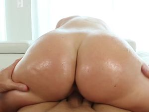 Perfect Big Ass Looks Even Better Covered In Oil